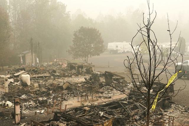 Khung cảnh như tận thế vì cháy rừng ở Bờ Tây nước Mỹ - Ảnh 5.