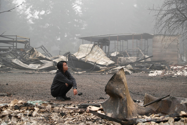 Khung cảnh như tận thế vì cháy rừng ở Bờ Tây nước Mỹ - Ảnh 7.