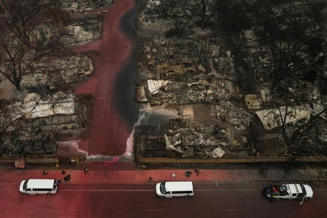Khung cảnh như tận thế vì cháy rừng ở Bờ Tây nước Mỹ - Ảnh 8.