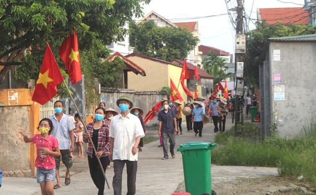 Hình ảnh đẹp tại khu dân cư cuối cùng tỉnh Hải Dương được dỡ bỏ phong tỏa, cách ly  - Ảnh 20.