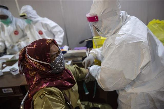 24 giờ, thêm hơn 5.100 người chết vì COVID-19 trên thế giới - Ảnh 2.
