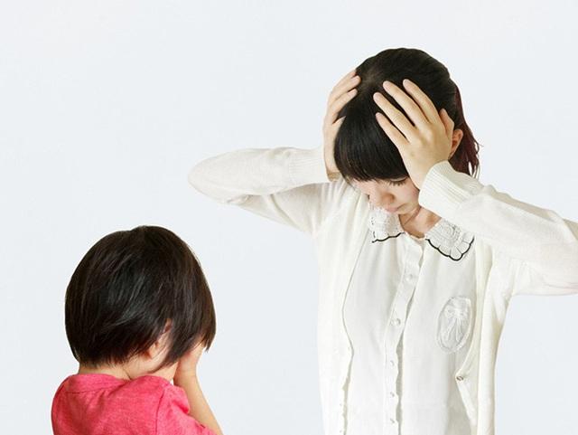 3 tác hại của việc thay quần áo trước mặt con - Ảnh 1.
