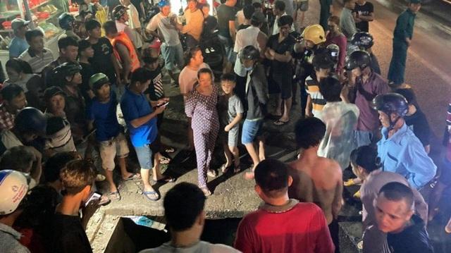 Đồng Nai: Người phụ nữ bị trôi xuống cống mất tích vì mưa ngập - Ảnh 1.