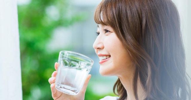 Không cần tốn tiền mua thuốc bổ, bác sĩ Nhật tiết lộ 3 thứ hữu hiệu hơn giúp phụ nữ có dáng đẹp và sức khỏe dồi dào như gái đôi mươi - Ảnh 4.