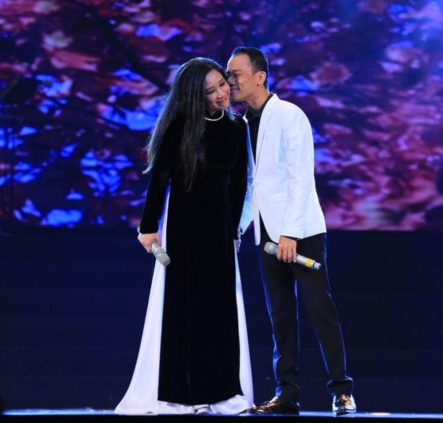 Trước khi lục đục, Thanh Thanh Hiền và Chế Phong từng mặn nồng đến mức khiến nhiều người ghen tỵ - Ảnh 7.