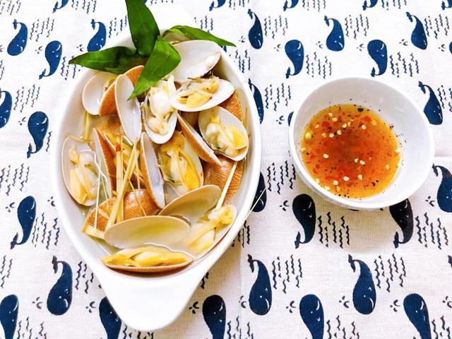 Chỉ mẹo làm sò lụa hấp nước dừa ngon ngọt mà không sợ tanh - Ảnh 2.