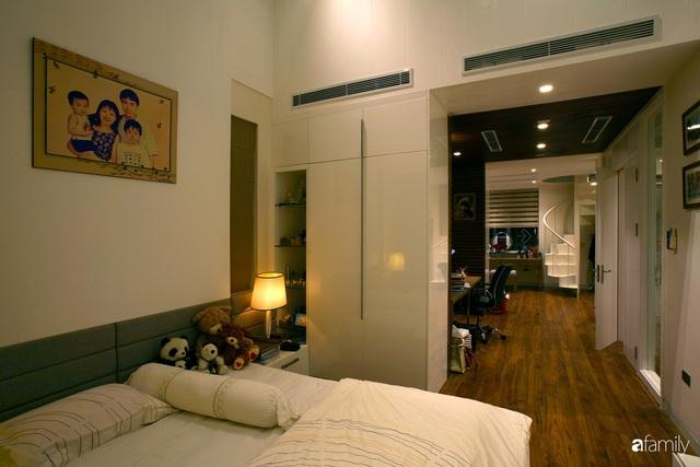 Cải tạo căn nhà 240m² thành không gian hiện đại, tiện nghi và phóng khoáng ở Hà Nội - Ảnh 11.