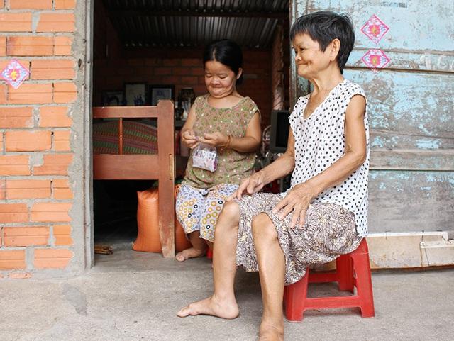 Chuyện tình bi thương của những phụ nữ tí hon ở Tây Ninh - Ảnh 1.