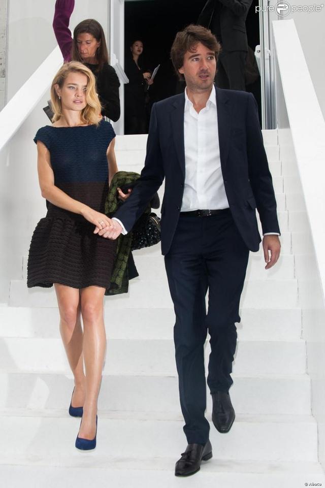 """Cái kết đẹp cho chuyện tình nổi tiếng của làng mốt thế giới: """"Thái tử Louis Vuitton"""" dùng gần 10 năm chân tình mới đổi được cái gật đầu của bà mẹ 5 con - Ảnh 14."""