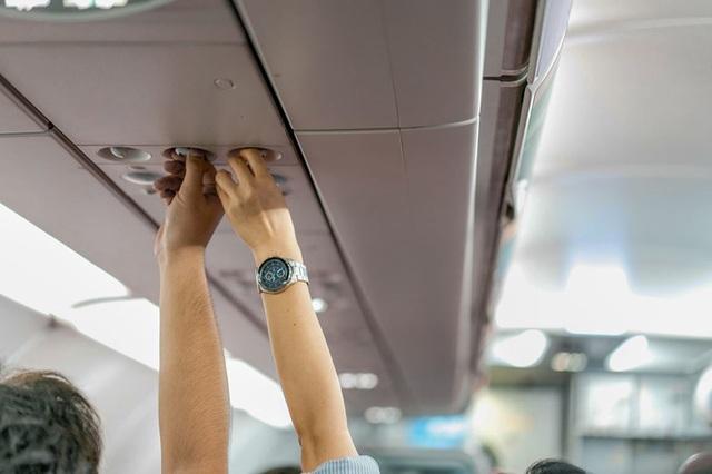 Tác hại khôn lường từ việc bạn tắt điều hòa không khí trên ghế máy bay của mình - Ảnh 1.