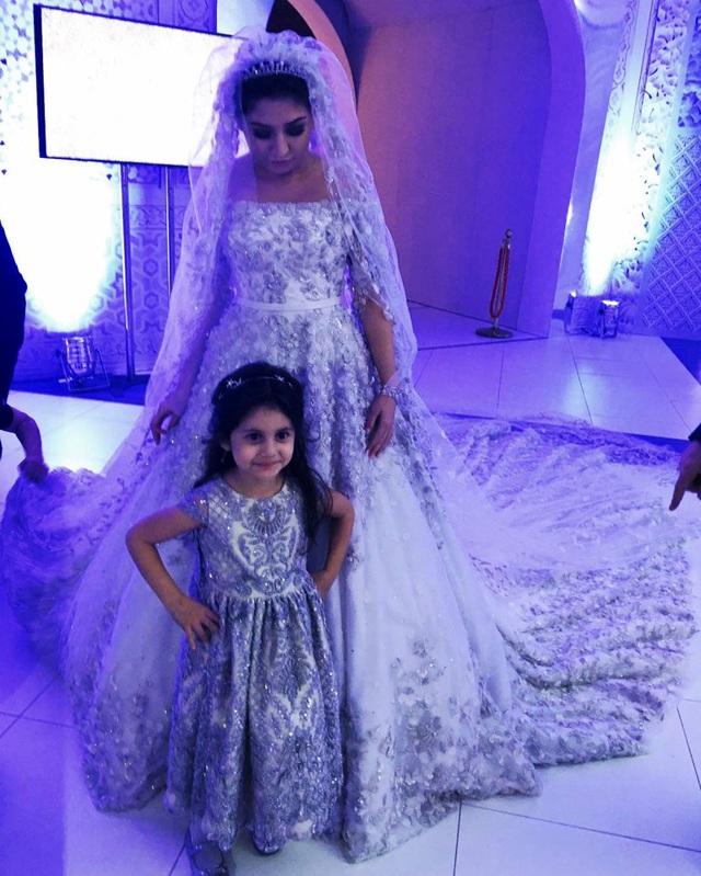 4 năm sau đám cưới xa hoa với chiếc váy 14 tỷ đồng, bánh cưới cao hơn 3m, cuộc sống của tiểu thư giàu có bậc nhất nước Nga ra sao? - Ảnh 2.