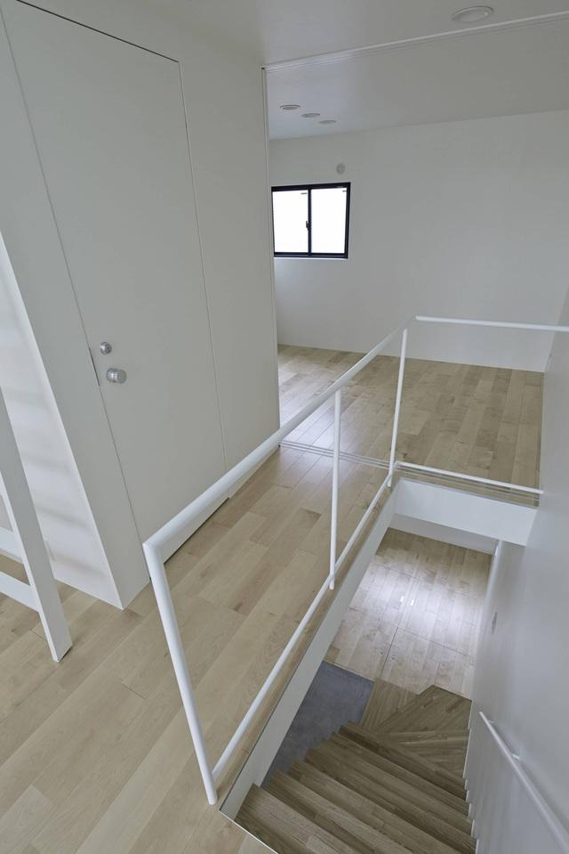 Căn nhà 27,6m² với thiết kế mái chéo độc đáo của vợ chồng trẻ ở thủ đô - Ảnh 6.
