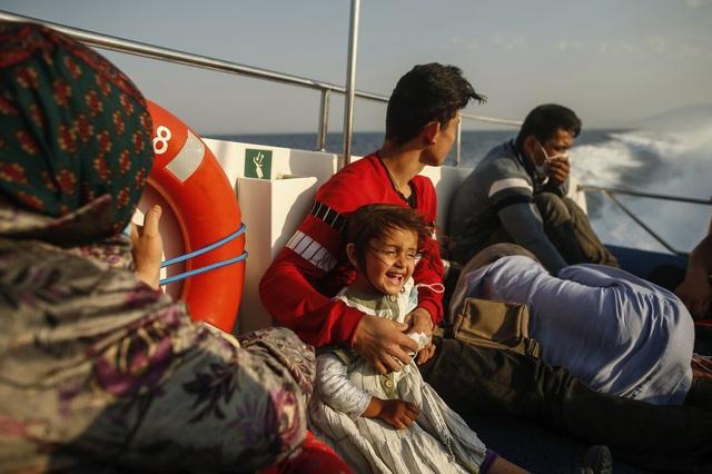 Hàng loạt người di cư bị Hy Lạp gửi trả về đại dương - Ảnh 9.