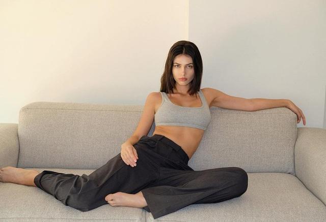Nhan sắc nữ sinh trường báo trở thành người mẫu nội y - Ảnh 5.