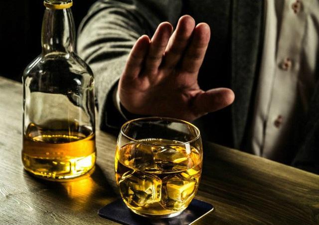 Kích động, lôi kéo người khác uống rượu, bia bị phạt đến 1 triệu đồng - Ảnh 1.