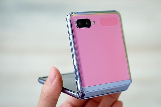 Những smartphone mất giá nhất 2020 - Ảnh 2.