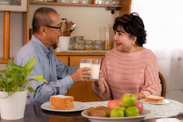 Những điều cần biết về dinh dưỡng cho người già - Ảnh 1.