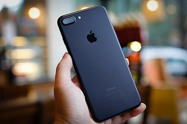 Những smartphone mất giá nhất 2020 - Ảnh 7.