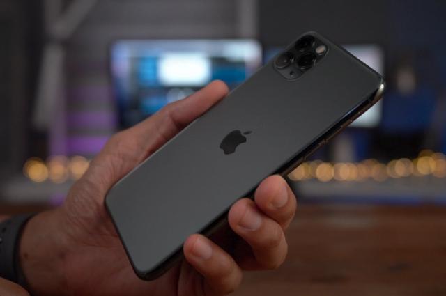 Những smartphone mất giá nhất 2020 - Ảnh 8.