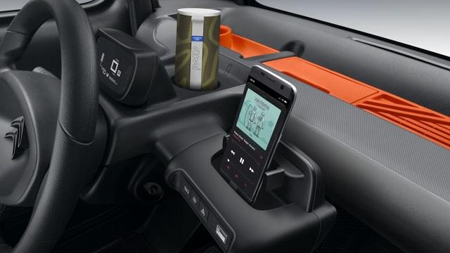 Những mẫu xe ô tô điện siêu xinh với giá cả cũng yêu không kém dùng để đưa đón con ngày mưa gió càng hết xẩy - Ảnh 2.