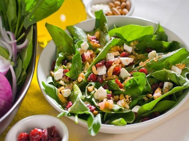 Món salad kỳ diệu cho bữa đêm: Đủ no mà vẫn nhẹ bụng, tác dụng đặc biệt nằm ở màn chào ngày mới hừng hực đầy khí thế - Ảnh 3.