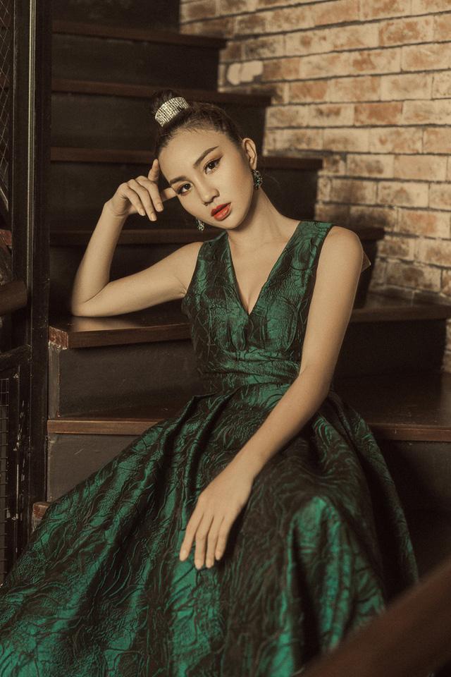 Nhan sắc cô gái dân tộc Nùng thi Hoa hậu Việt Nam 2020 - Ảnh 7.