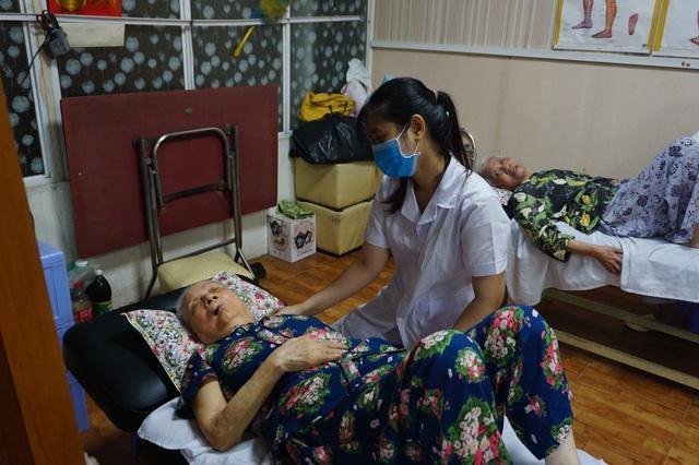 Chăm sóc và nâng cao sức khỏe người cao tuổi hướng tới già hóa khỏe mạnh - Ảnh 2.