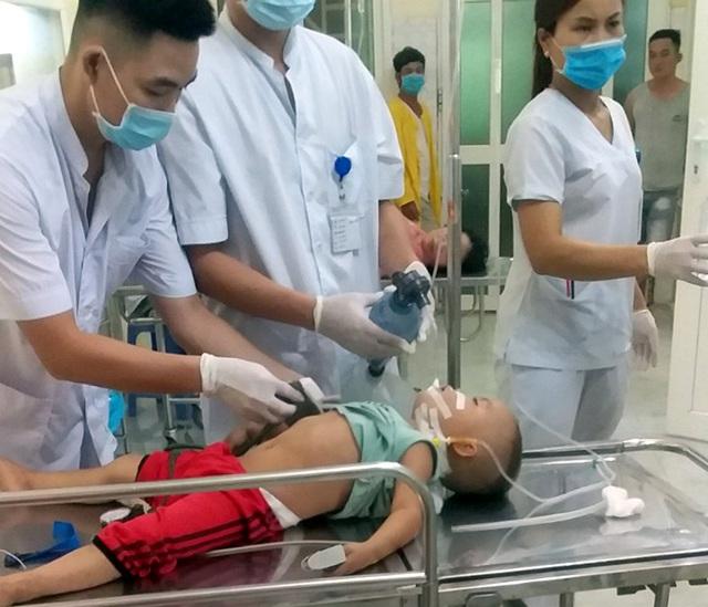 Sau bữa ăn tối, bé trai 4 tuổi đang mắc ung thư máu bỗng suy đa tạng, hôn mê suốt 2 tháng, đối mặt với tử thần - Ảnh 4.
