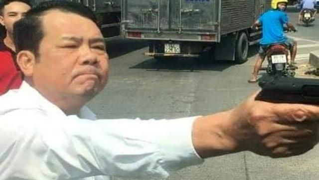 """Hiểu thế nào về khẩu súng giám đốc công ty bảo vệ dọa """"bắn vỡ sọ"""" tài xế? - Ảnh 2."""