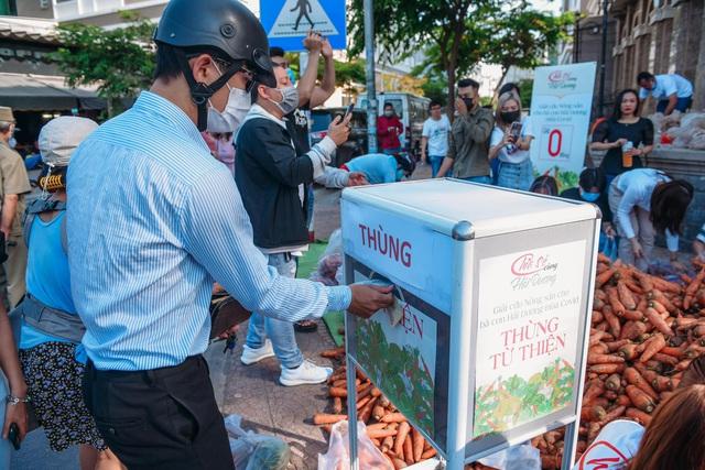 """Hoa hậu Việt Nam và phiên chợ 0 đồng """"giải cứu"""" 5 tấn nông sản Hải Dương - Ảnh 10."""