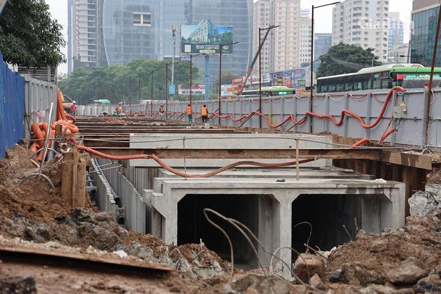 Toàn cảnh hầm chui gần 700 tỷ ở Hà Nội đang được tăng tốc thi công - Ảnh 3.