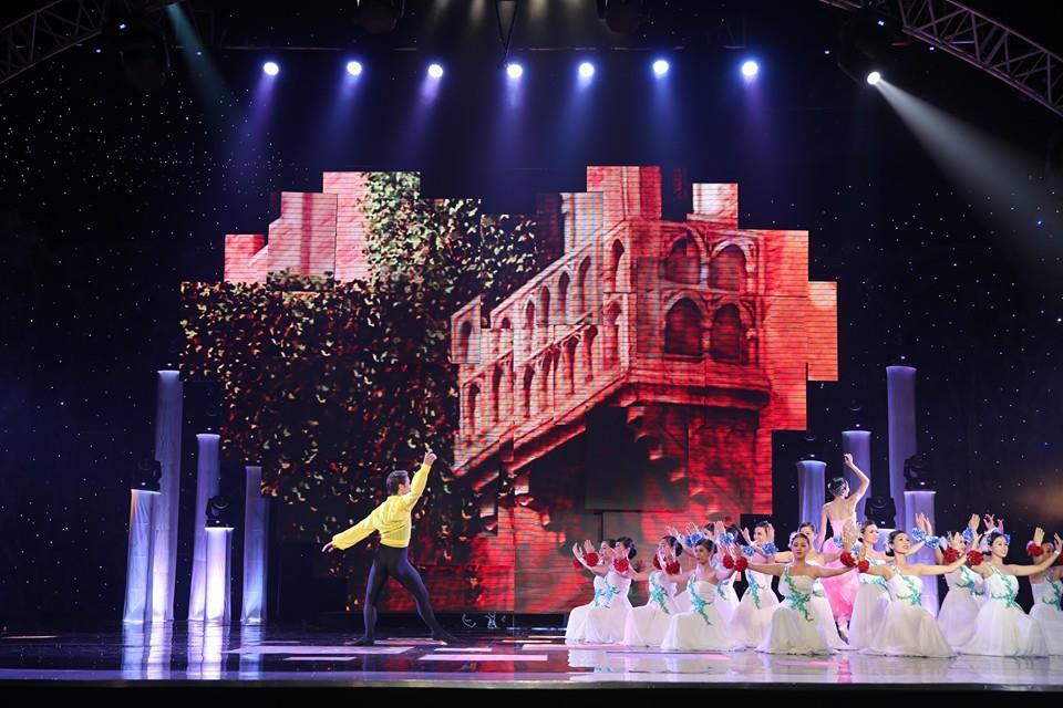 Hoành tráng và lộng lẫy Hòa nhạc Năm mới 2014 của VTV 8