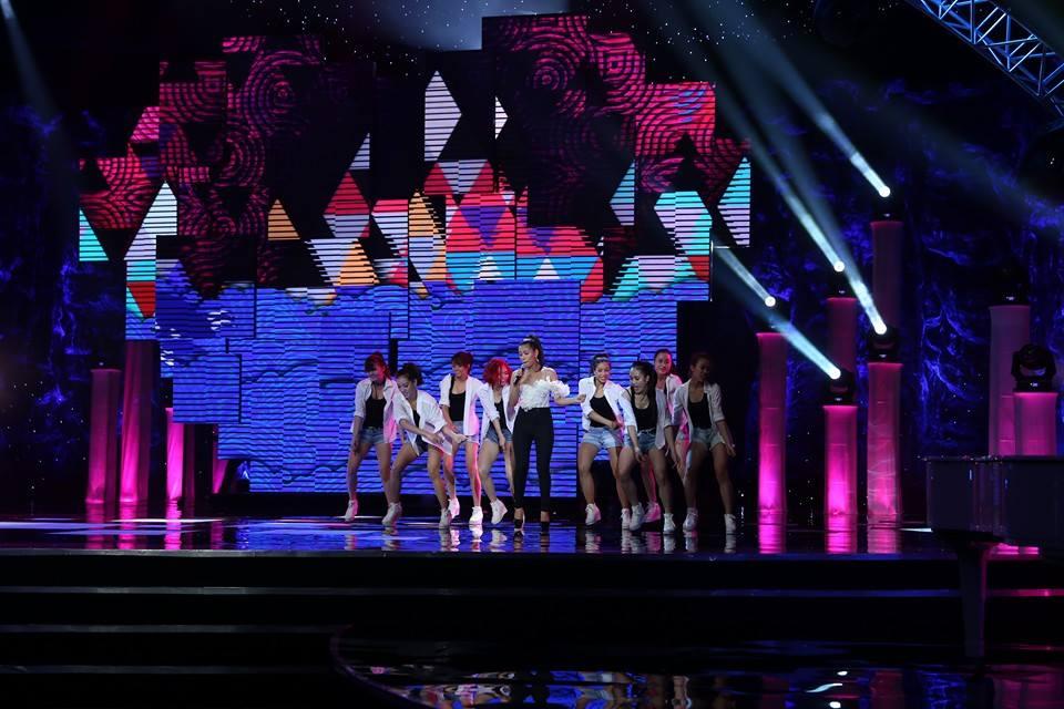 Hoành tráng và lộng lẫy Hòa nhạc Năm mới 2014 của VTV 11