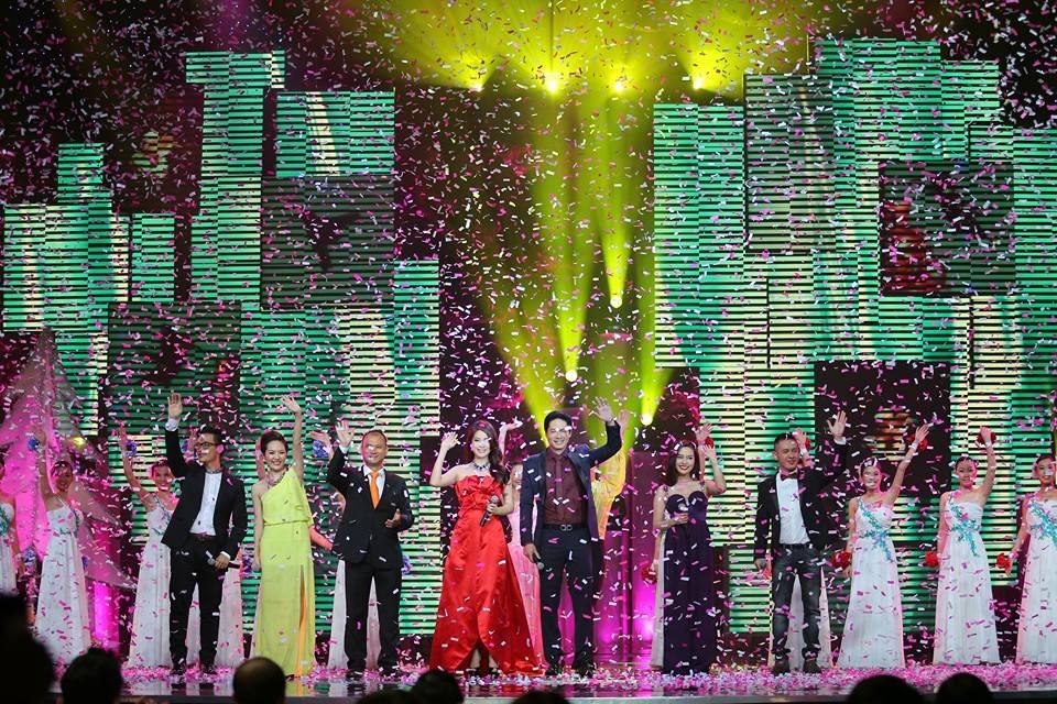 Hoành tráng và lộng lẫy Hòa nhạc Năm mới 2014 của VTV 16