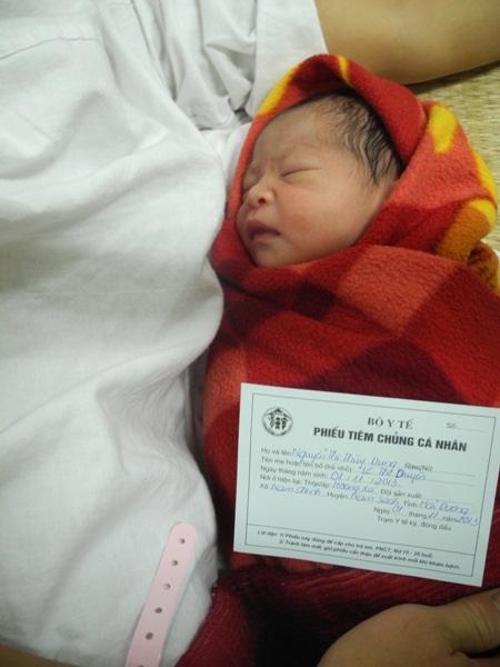 2 giờ 45 ngày 1/11/2013, Việt Nam chào đón công dân thứ 90 triệu 2
