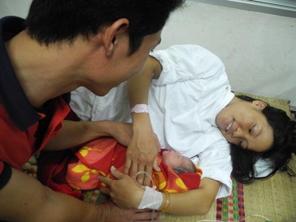 2 giờ 45 ngày 1/11/2013, Việt Nam chào đón công dân thứ 90 triệu 3