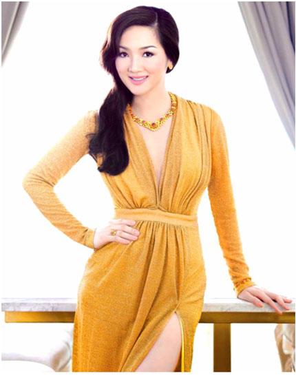 Ngắm nhìn Hoa hậu Giáng My toả sáng cùng sen vàng 1