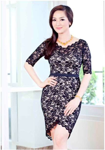Ngắm nhìn Hoa hậu Giáng My toả sáng cùng sen vàng 7