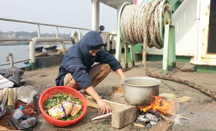 Thủy thủ Việt lay lắt với bệnh da liễu và trầm cảm 1