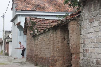 """Người dân làng cổ Đường Lâm xin trả lại di tích: Sống trong """"di tích sống"""" 2"""