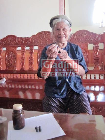 Cụ bà gần 70 năm chữa bệnh dại miễn phí cho người nghèo 1