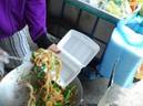 Tác hại của thói quen dùng hộp xốp đựng thực phẩm - GDN