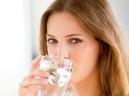 """Còn lười uống nước và nhịn tiểu, bạn nên """"xác định"""" với bệnh gây đau đớn khủng khiếp này"""