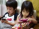 Nhìn trước tương lai đầy bệnh t�t của trẻ có bố mẹ dùng điện thoại qua ảnh chụp não bộ