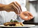 Hạn chế ăn mặn tránh bệnh t�t