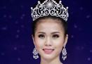 """Ứng xử ở các cuộc thi Hoa hậu: Hỏi """"nghèo"""", đáp """"sáo"""""""