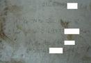 Tiếp thị mại dâm... trên tường nhà vệ sinh công cộng
