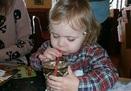 Bé hai tuổi vào viện vì uống nhầm rượu
