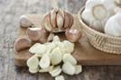 Có thể chữa viêm phụ khoa bằng tỏi?