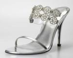 Đôi giày được mệnh danh giày dành cho nữ hoàng khiến phái đẹp mê mẩn
